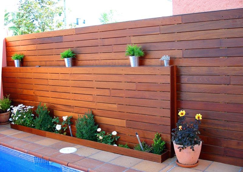 Exteriorismo en madera for Vallas madera para jardin
